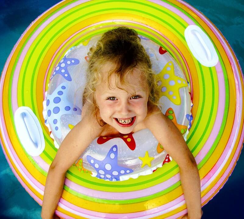 tratar água piscina infantil