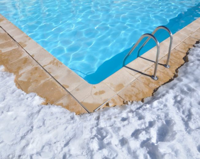 Saiba como cuidar da água da sua piscina no inverno