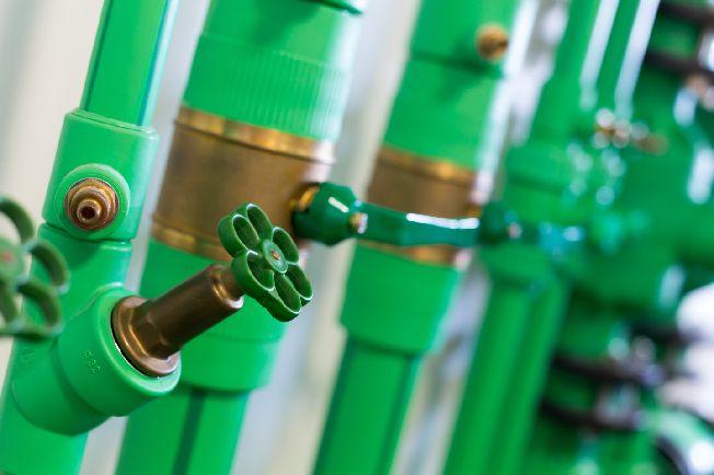 Como é feita a instalação de boias, registros e válvulas - Faria Bombas