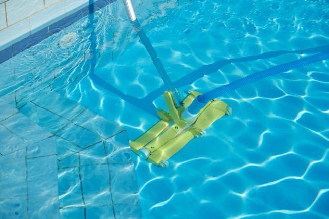 Aspiração e filtros de piscina - Mantendo sua piscina limpa! - Faria Bombas